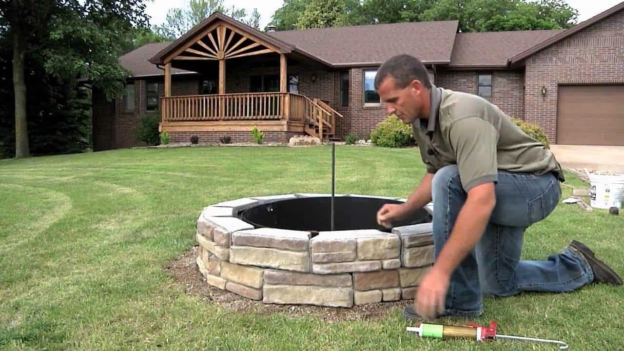How to Start a Bonfire in a Fire Pit